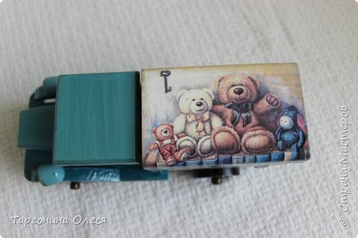 Всем добрый день. Сегодня я с простенькими работами - игрушками машинками. Использованные материалы: краска, распечатка, лак. фото 9