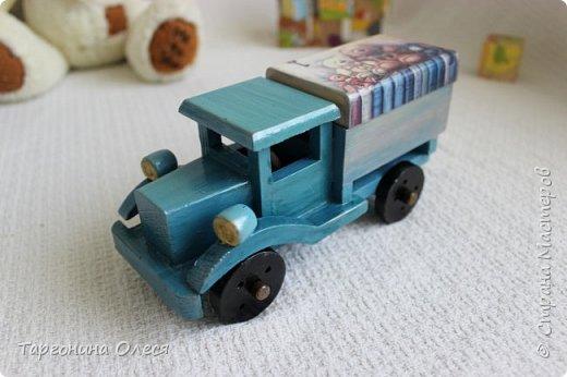 Всем добрый день. Сегодня я с простенькими работами - игрушками машинками. Использованные материалы: краска, распечатка, лак. фото 10