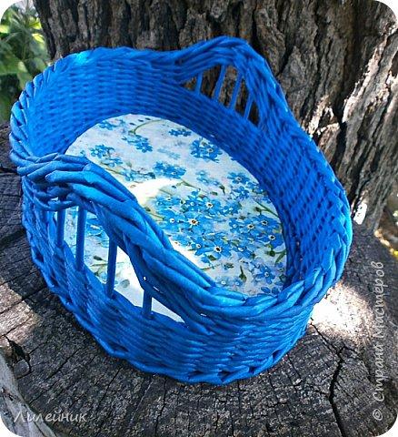 """Доброй ночи, жители Страны! Две недели назад мне улыбнулась Удача, я купила красивую голубую салфетку, назвала ее """"незабудки"""". Давно у меня не было такого вдохновения. Сухарницу сплела на одном дыхании. фото 6"""
