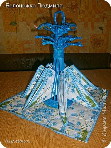 """Доброй ночи, жители Страны! Две недели назад мне улыбнулась Удача, я купила красивую голубую салфетку, назвала ее """"незабудки"""". Давно у меня не было такого вдохновения. Сухарницу сплела на одном дыхании. фото 7"""