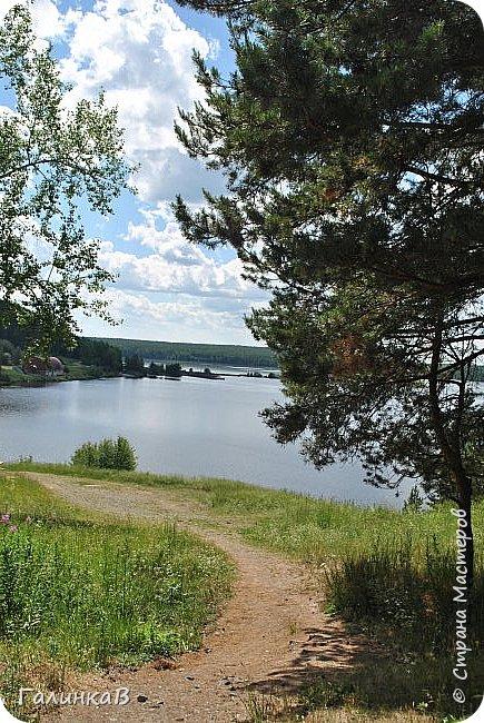 Сегодня, дорогие мои, приглашаю вас на прогулку по городу Нижняя Тура, который находится на северном Урала, в трех часах езды от Екатеринбурга где живет мой папа и где я побывала этим летом. Нижнетуринский пруд. фото 12