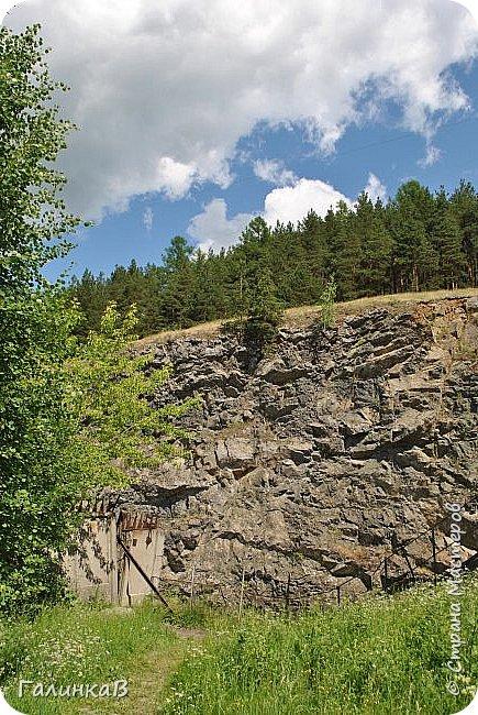 Сегодня, дорогие мои, приглашаю вас на прогулку по городу Нижняя Тура, который находится на северном Урала, в трех часах езды от Екатеринбурга где живет мой папа и где я побывала этим летом. Нижнетуринский пруд. фото 32