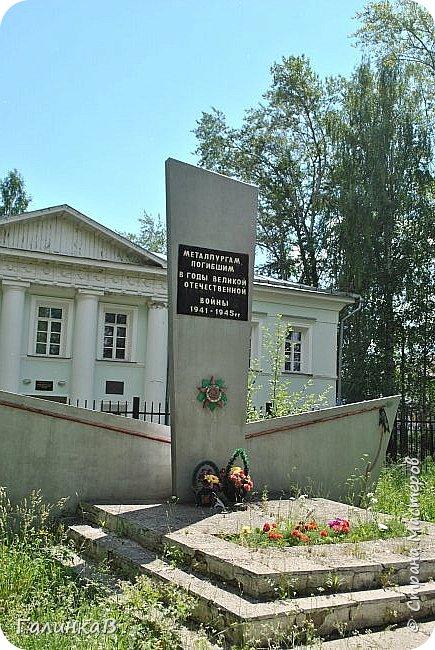 Сегодня, дорогие мои, приглашаю вас на прогулку по городу Нижняя Тура, который находится на северном Урала, в трех часах езды от Екатеринбурга где живет мой папа и где я побывала этим летом. Нижнетуринский пруд. фото 27