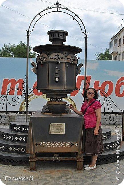 Сегодня, дорогие мои, приглашаю вас на прогулку по городу Нижняя Тура, который находится на северном Урала, в трех часах езды от Екатеринбурга где живет мой папа и где я побывала этим летом. Нижнетуринский пруд. фото 25