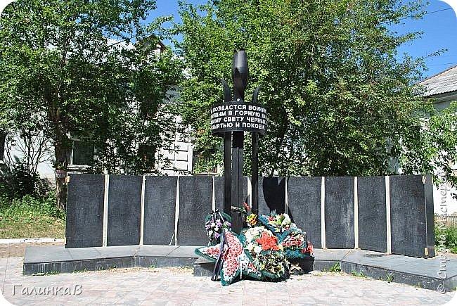 Сегодня, дорогие мои, приглашаю вас на прогулку по городу Нижняя Тура, который находится на северном Урала, в трех часах езды от Екатеринбурга где живет мой папа и где я побывала этим летом. Нижнетуринский пруд. фото 28