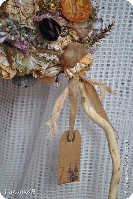 Здравствуйте, мои дорогие, мастерицы! Давно ничего не выставляла, летние дачные хлопоты, отпуск, жара - все это как-то не давало времени для творчества. Но все-таки что-то как-то иногда я делала, а именно - цветочки для моего нового текстильного топиария. фото 8