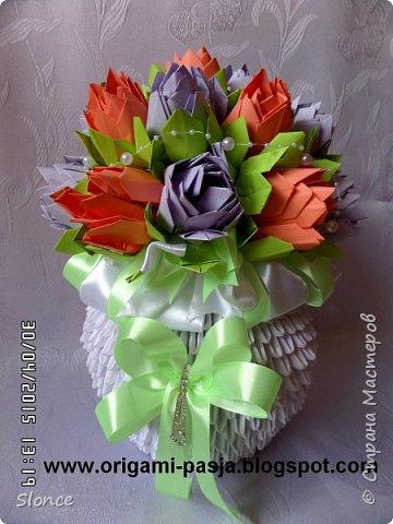 Duży bukiet z kwiatami.