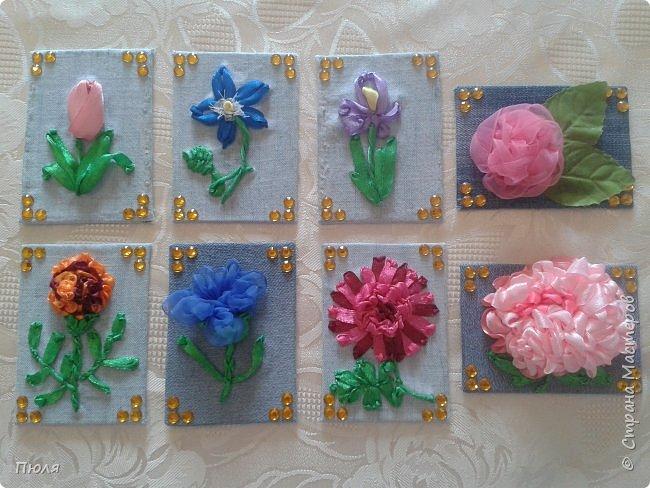 """Привет всем, вот такие карточки АТС """"Цветы"""" получились у меня))) Осваивала новую для себя технику - вышивание лентами, надеюсь цветочки получились узнаваемы))))Выбирают только участники обменника http://stranamasterov.ru/node/1040245?c=favorite.  Это все вместе. фото 1"""