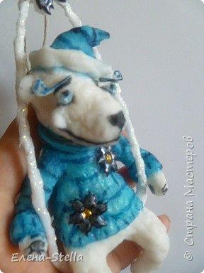 Здравствуйте дорогие Мастерицы и Мастера!  Сегодня у меня коротенький блог.  Иногда я люблю сделать, какого-нибудь зверика! Белый Мишка - вата - 15 см. А теперь с его любимым Питерским Мороженным! фото 2