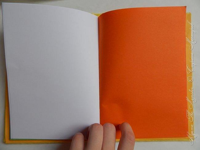 Приветствую всех жителей Страны Мастеров! Представляю Вашему вниманию блокнот с покемоном Пикачу, сделанный своими руками. Внутри блокнота разноцветные страницы, а обложка сделана из фетра. фото 6