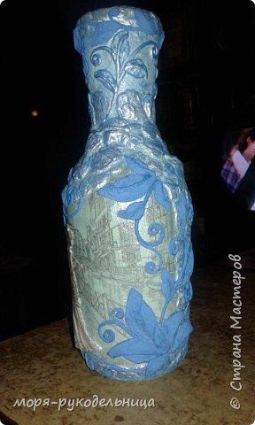 Имея уже первый опыт декорирования бутылки, решила попробовать сделать что-то совсем другое. И вот моя дама отправилась на прогулку... фото 11