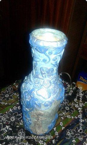 Имея уже первый опыт декорирования бутылки, решила попробовать сделать что-то совсем другое. И вот моя дама отправилась на прогулку... фото 16