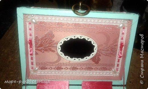 Это мой маленький подарочек дочке в честь бракосочетания. Она захотела шкатулку для разных ювелирных (и не только) безделушек, да еще в стиле Прованс... Я старалась... И вот, что получилось. Персональная шкатулка с фото молодых... фото 10