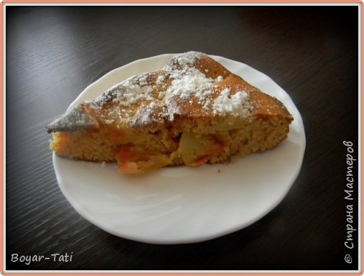 Хочу поделиться еще одним простым,и быстрым в приготовлении рецептом!) На этот раз это яблочный пирог.) Рецептов пирогов с яблоками огромное множество,но возможно кому-то понравится именно этот). Пирог получается сочный и вкусный! фото 7