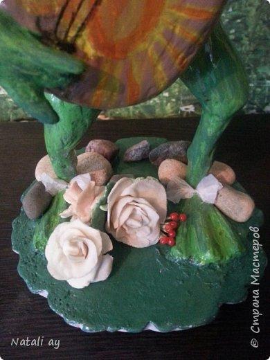первая проба папье-маше. эту лягушку делала бабушке на юбилей,ей исполнилось 80 лет. фото 4