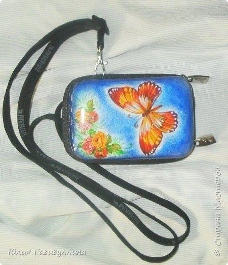 """комплект """"Бабочки"""" у телефона декорирована только задняя крышка, т.к. со временем она обцарапалась  фото 2"""