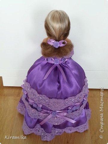 Эта куколка сделана на свадьбу в сиренево-коричневых тонах) фото 4