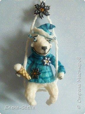 Здравствуйте дорогие Мастерицы и Мастера!  Сегодня у меня коротенький блог.  Иногда я люблю сделать, какого-нибудь зверика! Белый Мишка - вата - 15 см. А теперь с его любимым Питерским Мороженным! фото 4