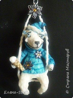 Здравствуйте дорогие Мастерицы и Мастера!  Сегодня у меня коротенький блог.  Иногда я люблю сделать, какого-нибудь зверика! Белый Мишка - вата - 15 см. А теперь с его любимым Питерским Мороженным! фото 3
