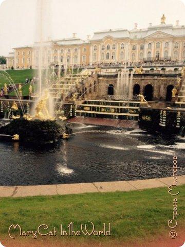 Совершенно недавно я была в Санкт-Петербурге. Вот, показываю вам фотографии с Петергофа. Их немного, но хоть столько. фото 2