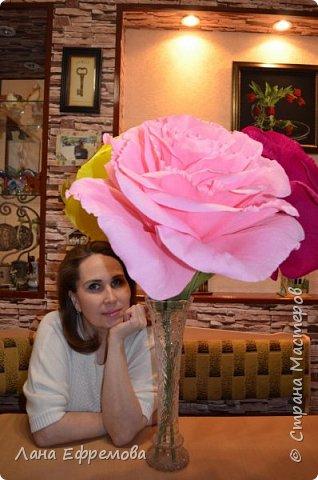 Большие цветы из бумаги фото 7