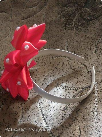 Добрый день! Хочу показать Вам свои пробы поделок из лент по МК Оли Лигус http://stranamasterov.ru/user/406295. Очень мне понравились ее работы и вдохновили! Все конечно еще кривенько, но, думаю, немного практики и усовершенствуюсь ))) Эти резиночки из лент шириной 5см фото 5