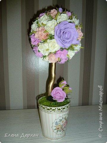 Новое увлечение - фоамиран. Все цветочки для топиария дела из фома сама.