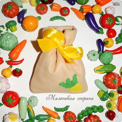 На фото мои овощи двух размеров! Маленькие - 2,5-4 см; большие - 3-6 см! фото 1