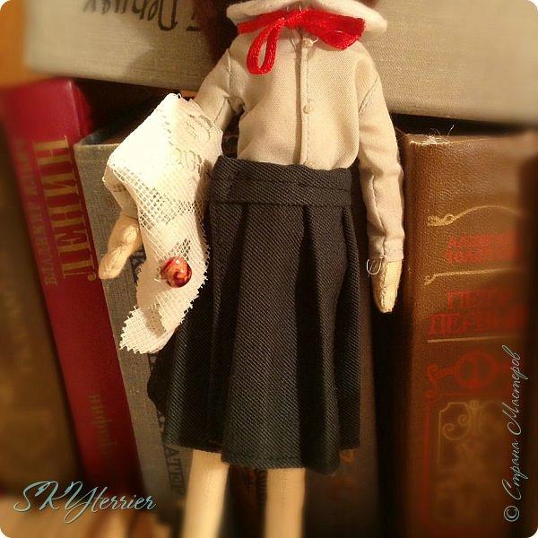 Ася - маленькая хранительница книжной полки... Мечтательная, и поэтому немножко рассеянная... фото 8