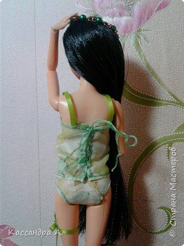 """Приветстую тебя, гость! Как видно по заголовку, сегодня я сдаю кимоно на <ahref=""""http://stranamasterov.ru/node/1042939?tid=2174"""">конкурс</a> """"Япония""""! Это моё первое участие в конкурсе.    На это дело я потратила огромный кусок золотистой ткани и шесть дней.    Моей моделью сегодня будет Раувольфия. фото 7"""
