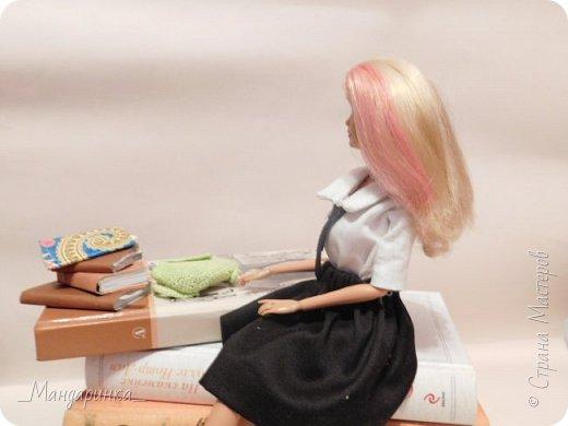 """Всем привет!А мы сдаем работу на конкурс""""Назад в школу""""Ссылка - http://stranamasterov.ru/node/1041201 И эта моя первая работа, выложенная в СМ.Я очень хотела поучаствовать, но ответили мне поздно и ничего интересней я сшить не смогла.Вся работа проделана за 1 день.Рекордные сроки.Прошу прощение за качество фото и за тени.Я как-то игралась с лампой, чтоб было видно.Надеюсь у меня получилось. фото 12"""