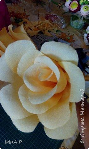 Всем здравствуйте! На днях пришлось мне сделать розы большого размера 50-60см в диаметре. При сборке столкнулась с некоторыми проблемами и решила поделиться своими находками, может кому-нибудь пригодится. фото 18