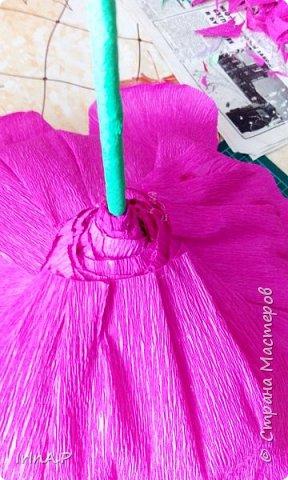 Всем здравствуйте! На днях пришлось мне сделать розы большого размера 50-60см в диаметре. При сборке столкнулась с некоторыми проблемами и решила поделиться своими находками, может кому-нибудь пригодится. фото 19