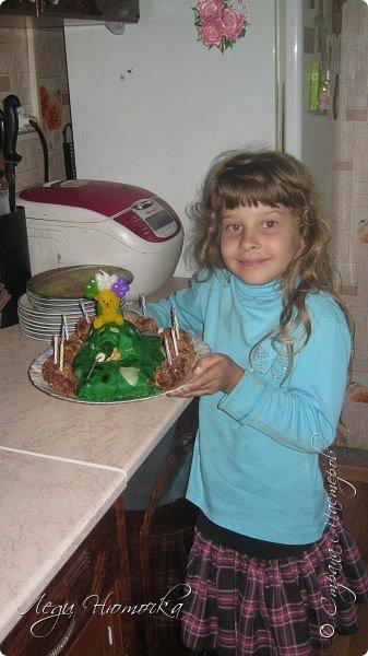 """Всем здравствуйте!  Давно не выкладывала ничего в СМ, хотя сделано было не мало!!! Работы просто не успевала сфоткать- их тут же забирали))) Но сегодня не об этом)))  7 августа мы отмечали День Рождения нашей старшей дочери Лилички! Ей исполнилось 11 лет.  Конечно, каждый ребенок мечтает о шумном и веселом дне рождения с кучей друзей и сюрпризами. Но не всегда так получается... А в этом году у нас появилась такая возможность!!! И не смотря на условия ремонта и перестройки дома решено было отмечать весело и с размахом!))) Благо """"безбашенности"""" (в хорошем смысле) хоть отбавляй, территория позволяет, погода замечательная! Единственный грустный момент был в том, что 1 августа муж отбыл на службу и в ДР его рядом не было((( Но мы справились!!!  Но вот только... это скучно просто обычный день рождения """"подарки-стол- танцы"""". Поэтому мы озадачились тематическим днем рождения. По желанию именинницы решили сделать день рождения в военном стиле))) Поэтому его и назвали """"День рождения специального назначения""""!))) Итак, наш квест! фото 2"""
