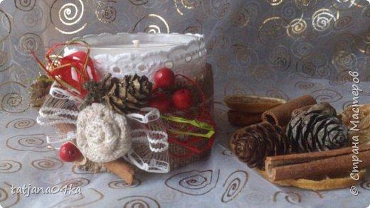 частенько под свечи использую банки,,,,оригинально ,,,,симпатично и вполне подходят  для подарков на Новогодние праздники,,не выбрасывайте  банки а пустите во вторичное использование,,для украшения подойдёт всё что дома можно найти,,,,,пуговицы,ленточки, тесёмочки,бусины,зёрна кофе,,,,насушите дольки лимона, яблок, сделайте себе выходной и сходите в лес за шишками,,,,творчество которое принесёт радость фото 1