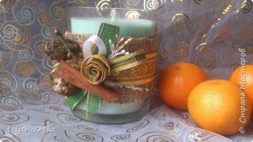 частенько под свечи использую банки,,,,оригинально ,,,,симпатично и вполне подходят  для подарков на Новогодние праздники,,не выбрасывайте  банки а пустите во вторичное использование,,для украшения подойдёт всё что дома можно найти,,,,,пуговицы,ленточки, тесёмочки,бусины,зёрна кофе,,,,насушите дольки лимона, яблок, сделайте себе выходной и сходите в лес за шишками,,,,творчество которое принесёт радость фото 8