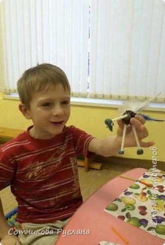 Детские работы из природного и другого различного материала фото 19