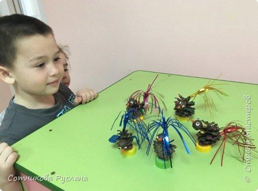 Детские работы из природного и другого различного материала фото 9
