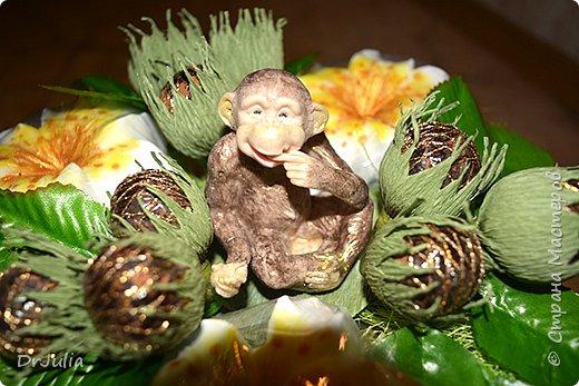 Мои мыльные букеты с лилиями нравятся! http://stranamasterov.ru/node/964611  Попросили меня сделать подобный и желательно с обезьянкой, так как именинник рождён в год Обезьяны. фото 7
