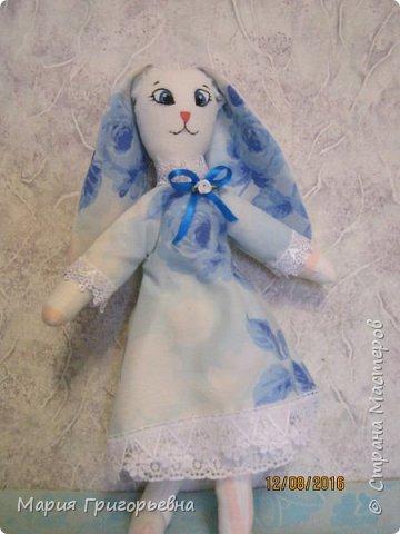 Продолжаю шить зайцев. выставляю на Ваш суд девочку в голубых тонах.  фото 2