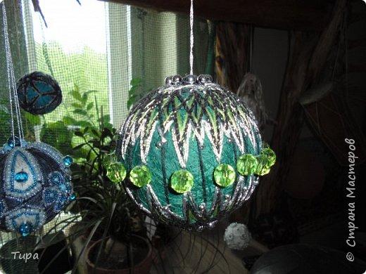 ну вот мои новые темарики. вышивка нитками бусами и бисером. вечером при неярком освещении они мерцают бусинками как звезды, тихо покачиваясь. Это такой мой маленький космос фото 8