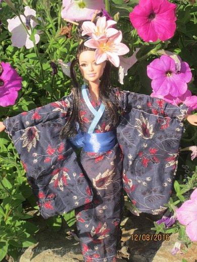 """Здравствуйте, дорогие кукольницы! Сегодня Анастасия решила посвятить себя в японцы и заодно сдать работу на конкурс от прекрасного автора """"Япония"""". Настя настолько увлеклась этой культурой, языком, национальной одеждой, так что я думаю сегодня мне достанется роль переводчика : ) Поехали! фото 4"""