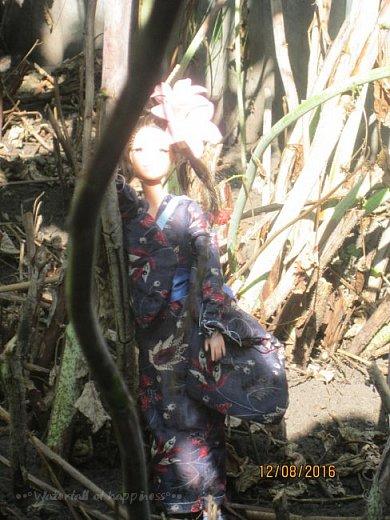 """Здравствуйте, дорогие кукольницы! Сегодня Анастасия решила посвятить себя в японцы и заодно сдать работу на конкурс от прекрасного автора """"Япония"""". Настя настолько увлеклась этой культурой, языком, национальной одеждой, так что я думаю сегодня мне достанется роль переводчика : ) Поехали! фото 5"""