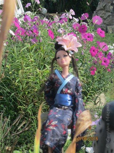 """Здравствуйте, дорогие кукольницы! Сегодня Анастасия решила посвятить себя в японцы и заодно сдать работу на конкурс от прекрасного автора """"Япония"""". Настя настолько увлеклась этой культурой, языком, национальной одеждой, так что я думаю сегодня мне достанется роль переводчика : ) Поехали! фото 10"""