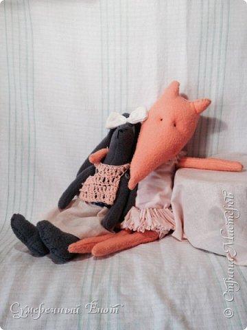 Небольшое пополнение моей маленькой коллекции зверят. Обонятельная лисичка по имени Морковка. Я решила устроить ей небольшую фотосессию. Я давно не заходила сюда (прошло всего 2 года, ахаха).  фото 3