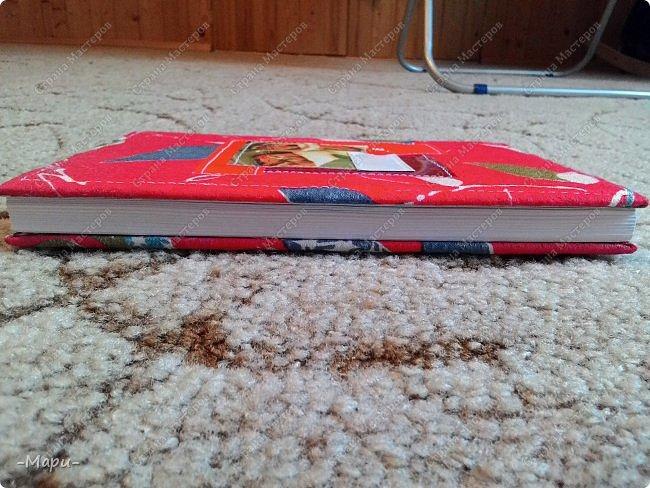Привет, Страна Мастеров! Этот блокнот кулинарная книга. Формат А5, 90 листов распечатанные на принтере, обложка тканная: хлопок, прошитая на швейной машинке. Блокнот сделала для тёти в подарок. фото 6