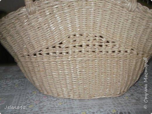Добрый вечер ! Сплела сумочку для невестки . Трубочки крутила из белой бумаги . Красила трубочки : грунтовка + вода + крутая заварка чая .   фото 4