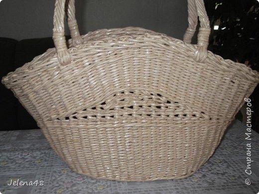 Добрый вечер ! Сплела сумочку для невестки . Трубочки крутила из белой бумаги . Красила трубочки : грунтовка + вода + крутая заварка чая .   фото 5