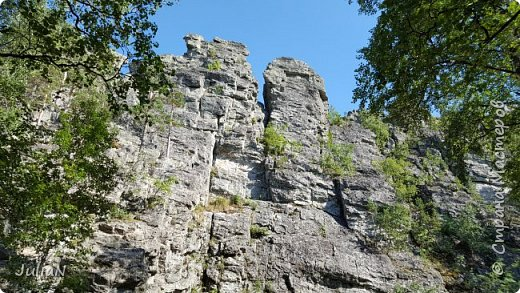 Сегодня ездили на скалы. Они находятся по дороге в Белорецк. фото 1