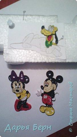 Фоторамка подарок племяннице на день рождения. Она очень любит мультики про Микки Мауса, поэтому решила сделать рамку с этими персонажами. Делала рамку 2 года назад, нашла фото, решила поделиться. Надеюсь кому то пригодиться =) фото 2